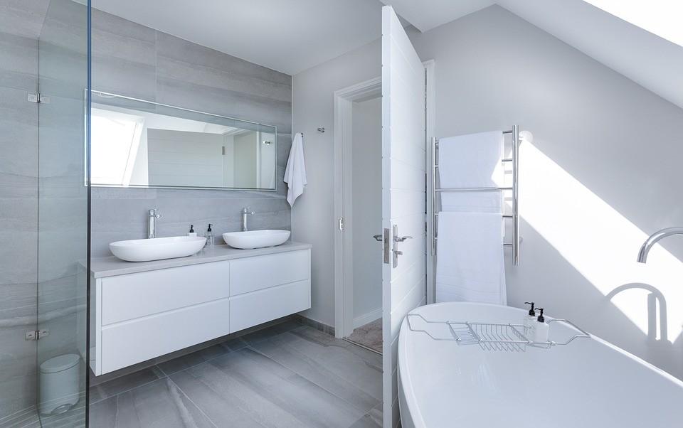 Aménager une salle de bains ou de douche dans une maison ...